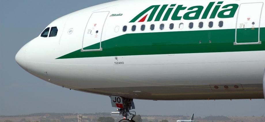 Alitalia A330 Tiziano