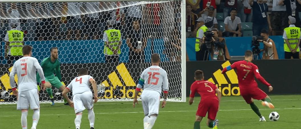 Un momento della sfida tra Spagna e Portogallo