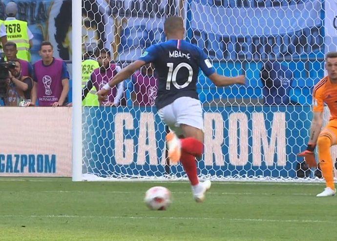 Mbappé in azione in questa Coppa del Mondo